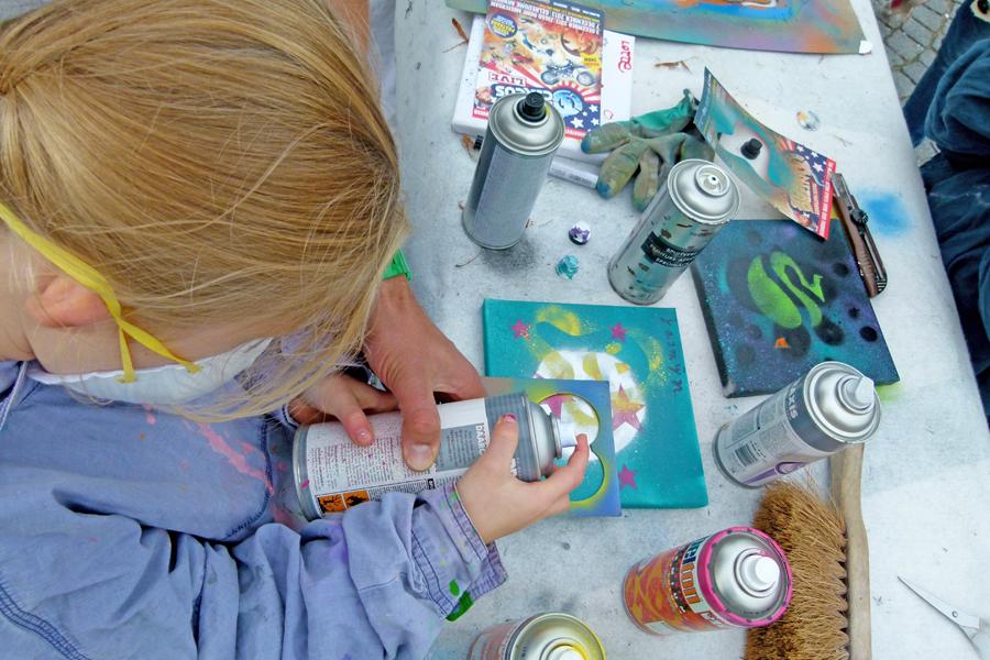 kinderfeestje graffiti binnen